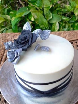 Black & Silver Anniversary Cake