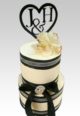 Engagement Cake with Customised Name Topper