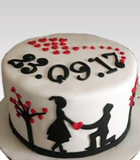 Single Tier Fondant Engagement Cake