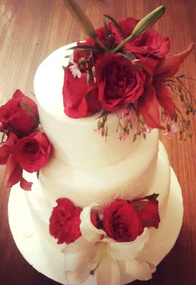 Fresh Roses & Lilies Wedding Cake
